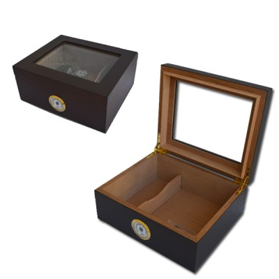 Small humidor with glass window Cherry